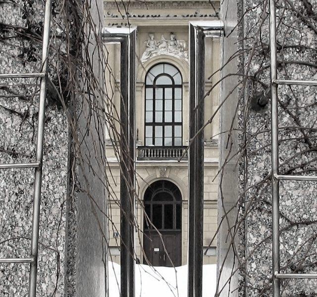 Otoczenie zabytkowych budynków Politechniki Warszawskiej